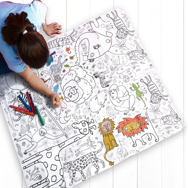 colour in animals tablecloth by eggnogg