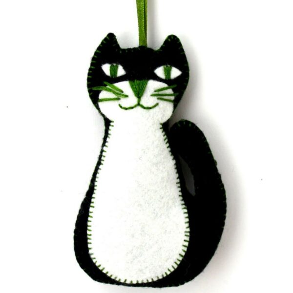 black cat felt kit by corinne lapierre