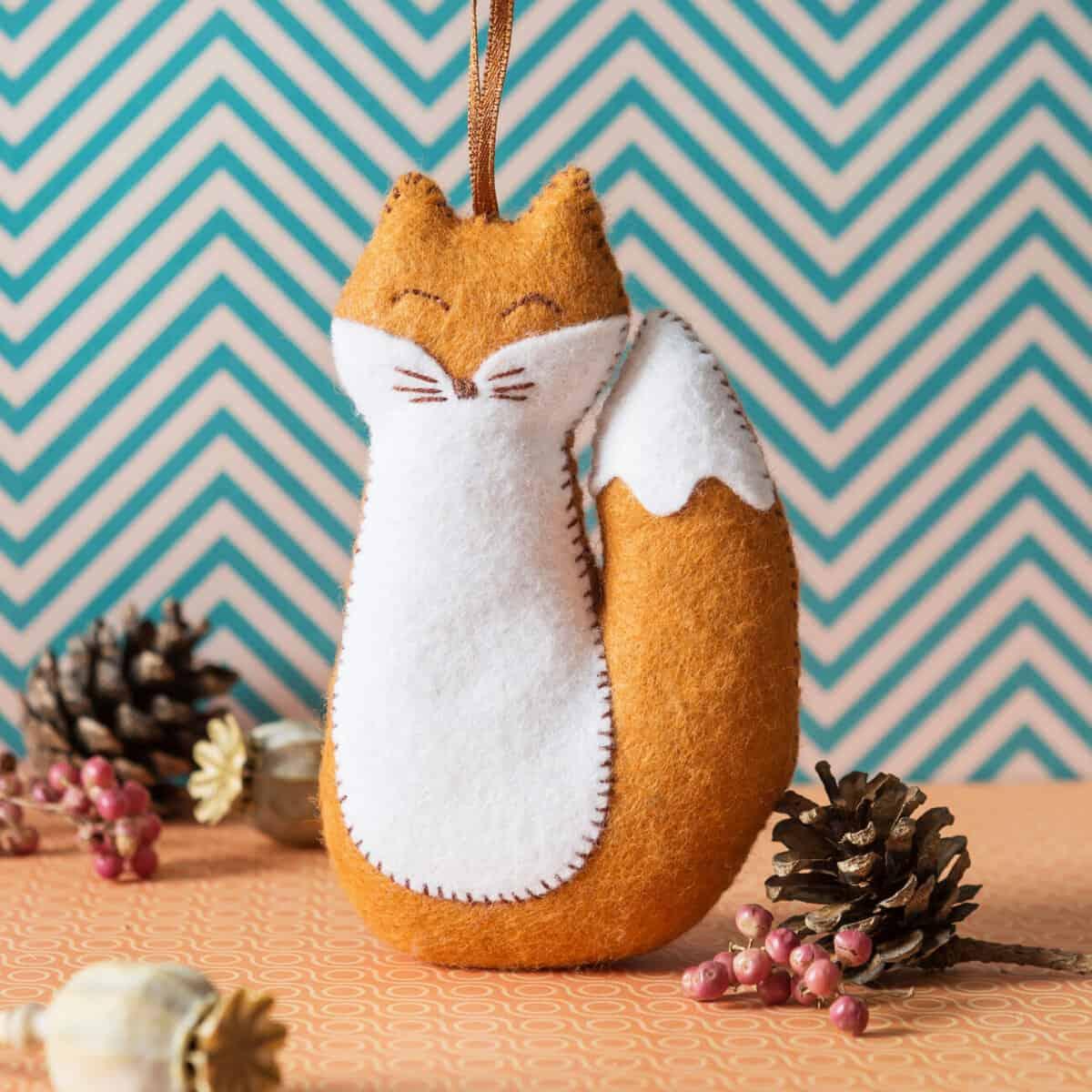 fox felt kit by corinne lapierre