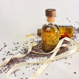 Tranquil isle relaxing bath & shower oil by lolas apothecary