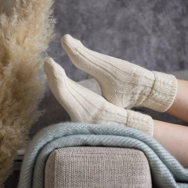 Cable knits alpaca bed socks cream